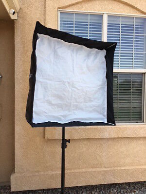 "Westcott Medium Apollo Softbox with Recessed Front  Fiberglass Frame (28 x 28"")"