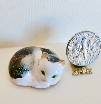 Vintage Dollhouse Miniature Artisan Made Ceramic CURLED UP CALICO CAT 1:12 1970s