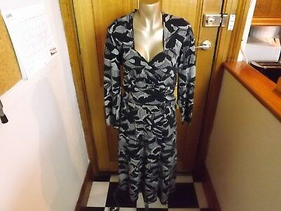 Basque  Dress ~ Size 14 ~ As New / Worn Once ~ Black + White  Long Sleeve