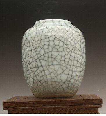 Chinese antique old  hand-made gracked glaze porcelain vase c02
