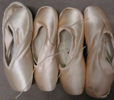 Lot of 4 pairs, new pointe shoes for arts and crafts/decorating