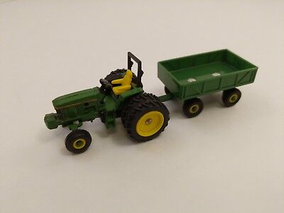 ERTL John Deere 6200 Tractor w/ROPS and and Wagon 1/64 Scale - loose