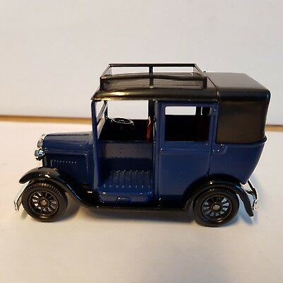 """LLEDO DAYS GONE DG 47004  """"1933 Austin Taxi, MAROON"""", Made in England, ohne OVP"""