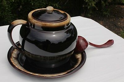 Soup Tureen,Pfaltzgraff,16 cups capacity with ladle. Excellent condition