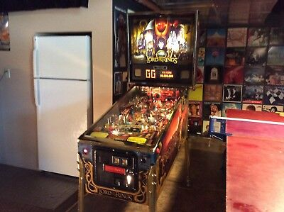 Stern Lord Of The Rings Limited Edition Pinball Machine