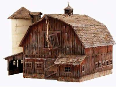 Woodland Scenics Old Weathered Barn - N Scale 724771049326