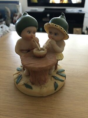 Snugglepot and Cuddlepie  Gumnut Babies May Gibbs Figurine