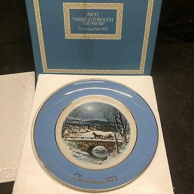 """1979 Avon Christmas Collectors Plate """"Dashing Through the Snow"""" by Enoch Wedgwoo"""