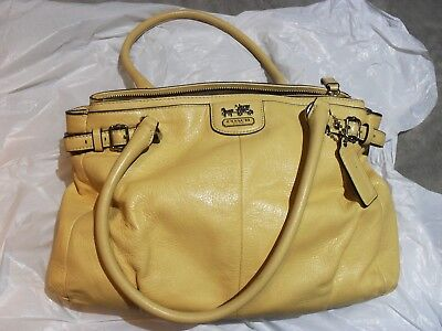 Coach Pocketbook Soft Pale Yellow Leather With Dust Bag Cover