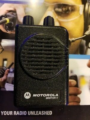 Motorola Minitor V Voice Pager VHF Includes RLN5869 Amplf Charger & New Battery!