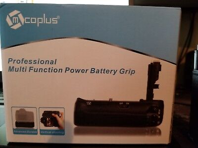 Mcoplus BG-5DRIV Battery Grip with 2.4G Wireless Remote for Canon Mark IV BG-E20