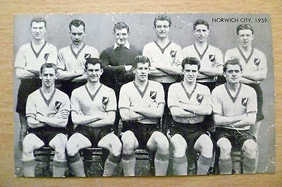 Card- Famous Teams in Football History 1959 NORWICH CITY Team (125 x 75 mm)