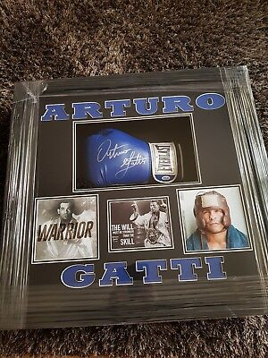 Signed Framed Arturo Gatti Glove ***rare*** Brand-New Framed  Post Uk Only