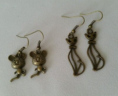 CAT MOUSE HOOK Animal Lover Vintage Lovely Jewellery Dangle Earrings Bronze Tone