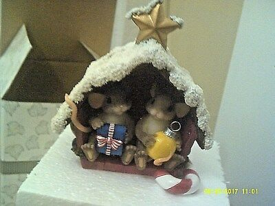 Charming Tails Mouse Figurine - Friend Filled Christmas Barn   Mib