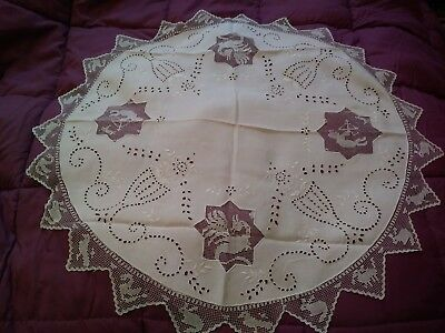 """Antique Filet Lace Net Madeira Embroidered and Cutwork 28"""" Linen Table Topper"""