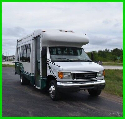 2006 Ford E450 14 Passenger Shuttle Bus with Wheelchair Lift  LOW RESERVE #15620