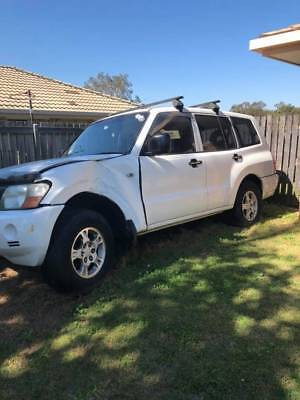 **price is for 1 wheel nut** wrecking 2005 np pajero wrecking 3.2 turbo auto