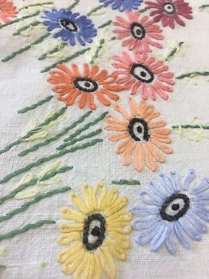Exceptional Exquisite Lg Vintage Linen Hand Raised Embroidered Tablecloth