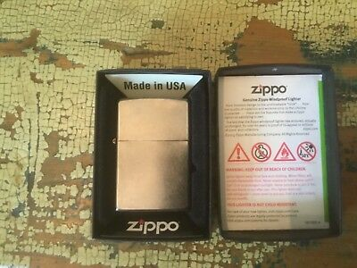 NEW !!! - ZIPPO 207 - Regular Street Chrome - Windproof Lighter - H 15  - NIB -