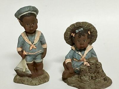 Sarah's Attic Willie and Tillie at the Beach Figurines