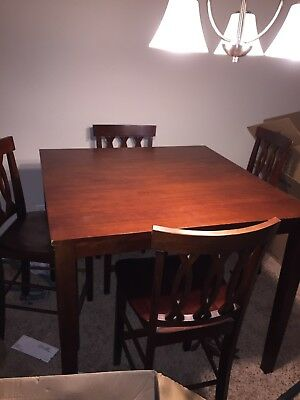 kitchen table set for 5