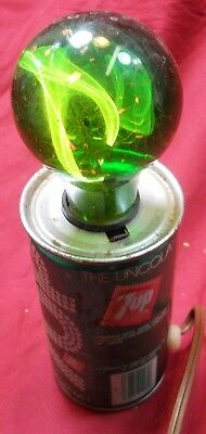 Vintage 1970's 7-Up Soda Can Flickering Light with Original Green Globe Lamp