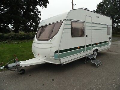 2004 Lunar Chateau 470 Fixed Bed 4 Berth  Excellent Condition Inside & Out