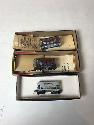 Roundhouse HO Trains Lot Of 3 Ore Hoppers