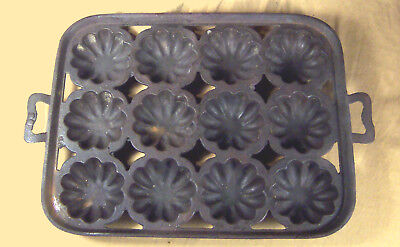Country COLLECTIBLE VINTAGE *12 *SCALLOPED Shape MUFFIN PAN w/Handles CAST IRON