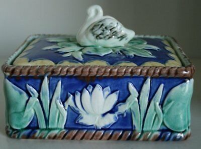 Pretty/Old Majolica ETRUSCAN Sardine Box with Swan & Pond Lilies, Very RARE