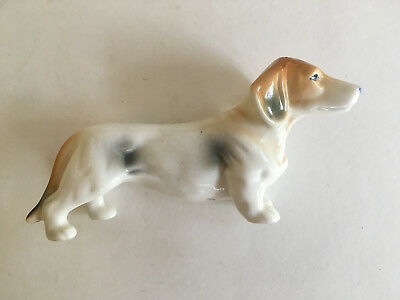 Vintage Doxie Dachshund Dog porcelain figurine White Tan & Grey #6916