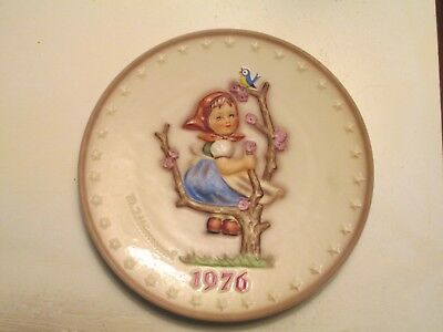 Goebel Hummel Plate 1976 Apple Tree Girl 269 No Box (Look At Pictures)