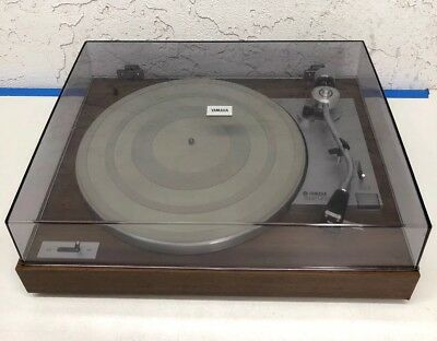Yamaha Model YP-211 Natural Sound Turntable With Plinth & Dust Cover