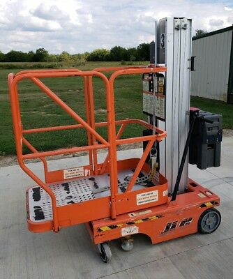 JLG 12SP Personnell Lift Genie 18' working height Manlift Lift Stock Picker