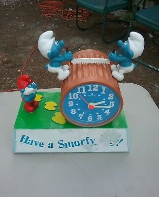 Vintage Have a Smurfy Day wind up battery Smurfs talking alarm clock