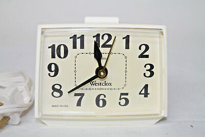 Vintage Westclox DIALITE Electric Alarm Clock Model 22090-22540 Made in USA