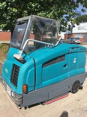 Tennant T20, Diesel Engine Driven, Scrubber Drier/Sweeper. Price New £46K