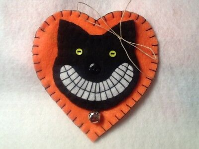 Black cat  ornaments, primitives for halloween an fall