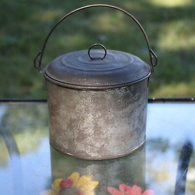Antique Small Old Metal Tin Berry Bucket & Lid Primitive Lunch Pail Wire Handle