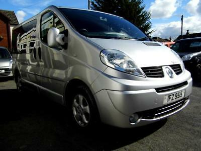 Renault Trafic Vivaro Sport wav wheelchair accessible vehicle disabled access