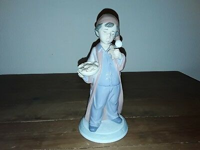 """LLADRO The Night Before Christmas Collection 6669 """"Santa Wont Notice"""" 6676"""