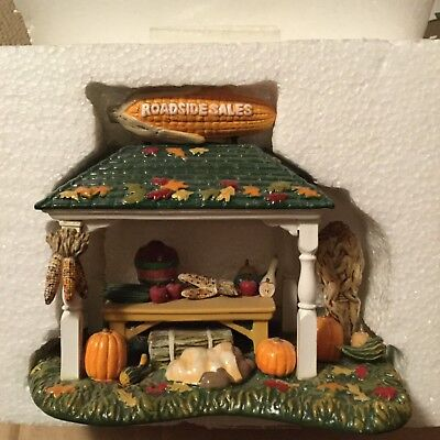 Dept 56® SNOW VILLAGE ROADSIDE PRODUCE STAND - BRAND NEW