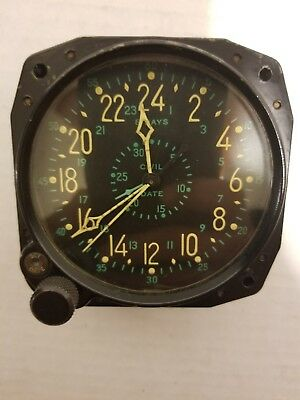 VERY RARE WW2 Waltham 8 Day US Navy Military Aircraft Clock with Civil Date