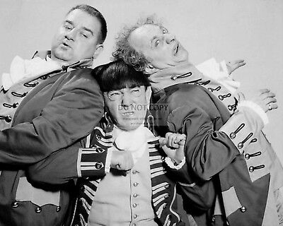 The Three Stooges Larry Fine, Moe & Curly Howard - 8X10 Publicity Photo (Bb-011)