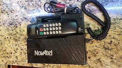 Vintage NOVATEL cellphone car phone with battery and charger UNTESTED