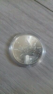 2016-1-Oz-9999-Silver-Canadian-Maple-Leaf-Bullion- maple privy Coin in capsule