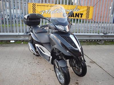 Piaggio MP3 300 Yourban 2011 Only 5k miles FSH DRIVE ON A CAR LICENCE