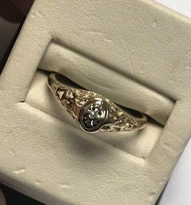 Beautiful 10KT 417 Desginer Yellow Gold Antique Design Round Diamond Ornate Ring