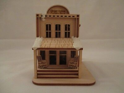 """""""Ginger Hollow Country Store"""" GC112 from Ginger Cottages, in Original Box"""